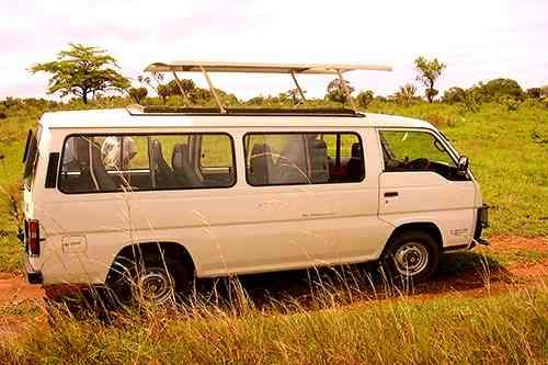 véhicule minibus safari kenya