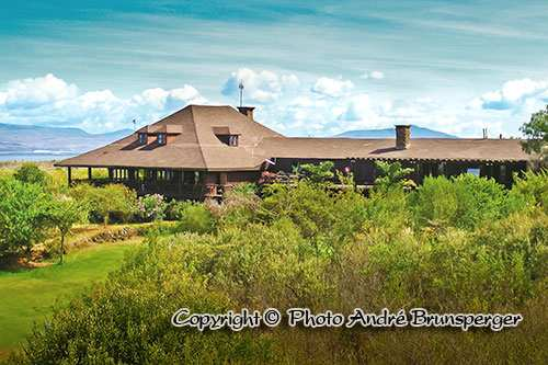 Great rift valley lodge golf safari et plage au Kenya