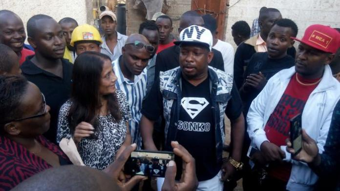 Mike Sonko youths into blocking a land demolition in Westlands in 2016