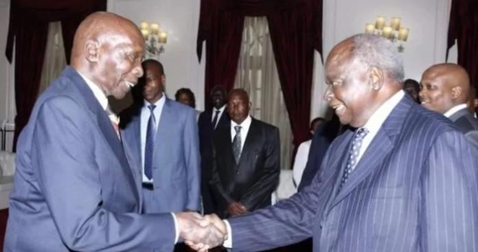 Former Presidents Daniel Arap Moi (left) and Mwai Kibaki (right).