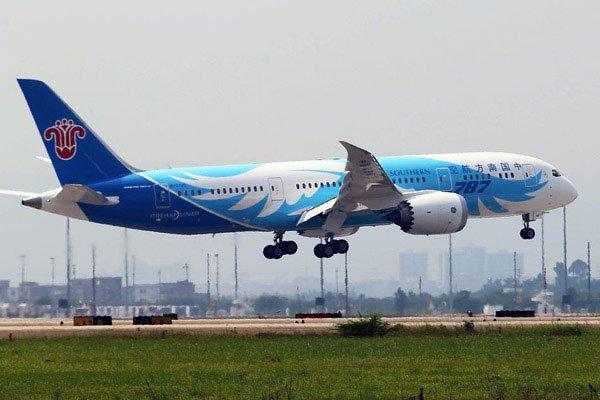 A Southern China plane lands in Guangzhou on June 3, 2013.