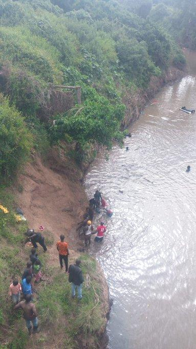 Rescuers pictured on the banks of Marewa River, Naivasha after a car plunged into the river on Sunday, February 16