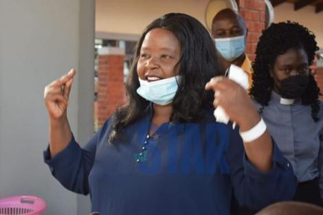 Bishop Margaret Wanjiru addressing the media outside the Aga Khan University Hospital on Saturday, May 30, 2020.