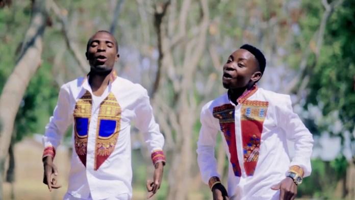 Kitimtim Choir Feat Rose Muhando – Yesu Ni Mwamba