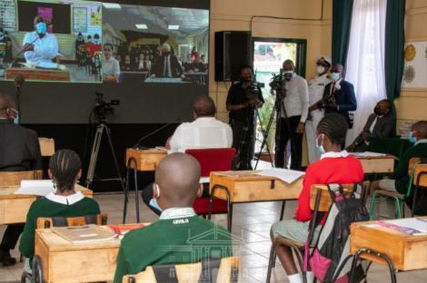 President Kenyatta with pupils of Westlands Primary School in Nairobi on May 13, 2021.
