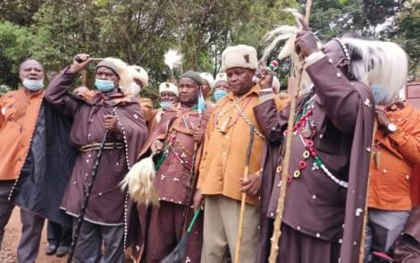 A section of elders conducting rituals at the Mukuru wa Nyagathanga shrine