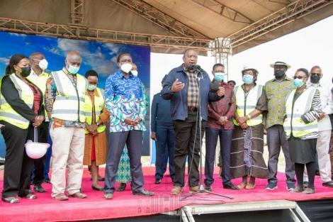 President Uhuru Kenyatta joined by ODM leader Raila Odinga, Wiper Leader Kalonzo Musyoka and Ukambani leaders led by Governors Alfred Mutua, Charity Ngilu & Prof Kivutha Kibwana in Makueni on July 9