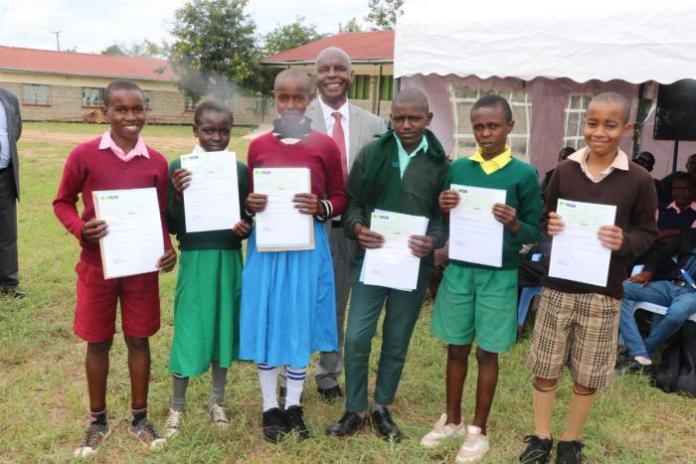 Makueni Governor Kivutha Kibwana when he issued 96 scholarships to needy students in the county on January 13, 2020.