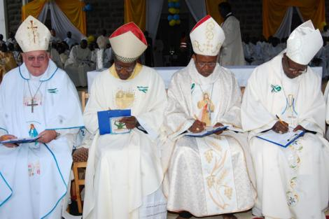 Catholic Bishops sign a commitment document to fight corruption during the National Prayer Day at Subukia Shrine in Nakuru County on October 5, 2019.