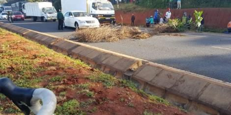 The barricades put by residents on Southern Bypass on June 30, 2020.