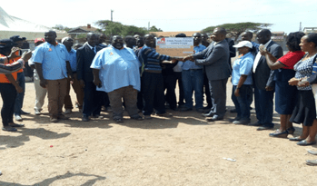 CEC, Ministry of Agriculture, Livestock and Fisheries issuing a cheque