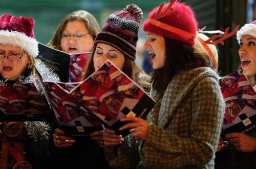 carol singing kidmore end 7 december new inn pub
