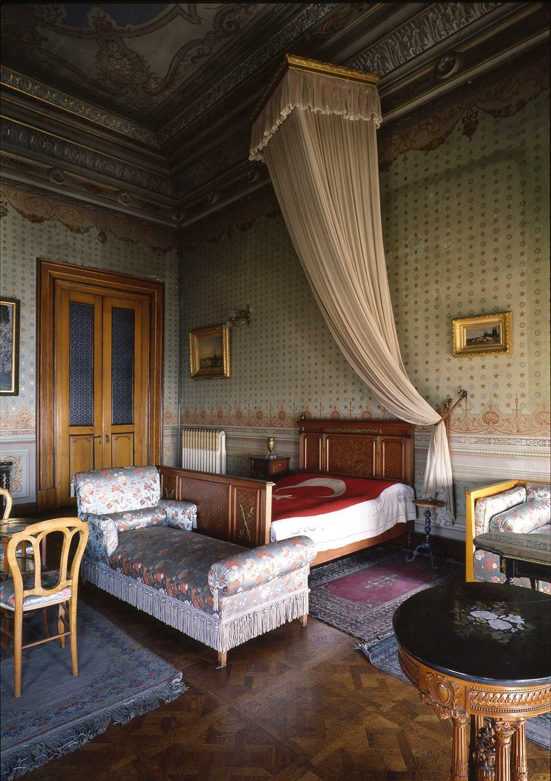 Ataturk's Room, Dolmabahce Palace, 1981.