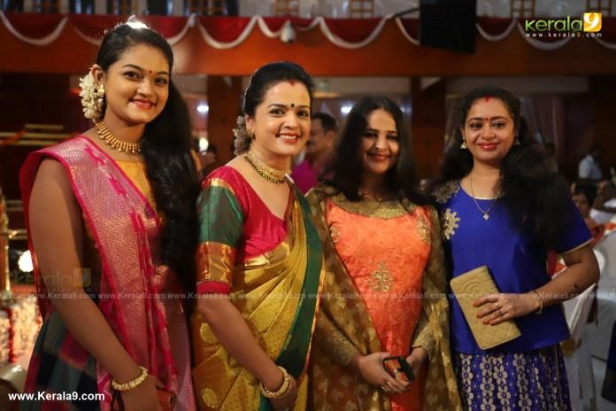 actress mahalakshmi marriage photos 013