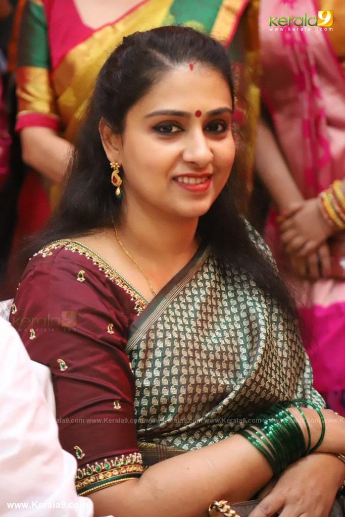 actress mahalakshmi marriage photos 042
