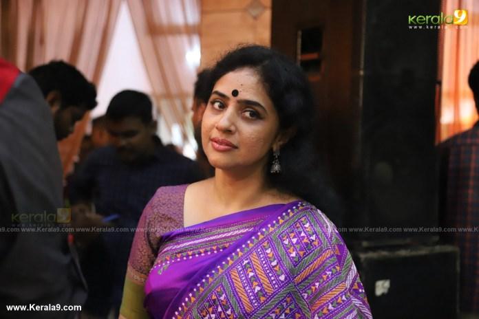 actress mahalakshmi marriage photos 113