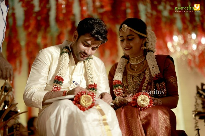 maniyan pillai raju son wedding photos 002
