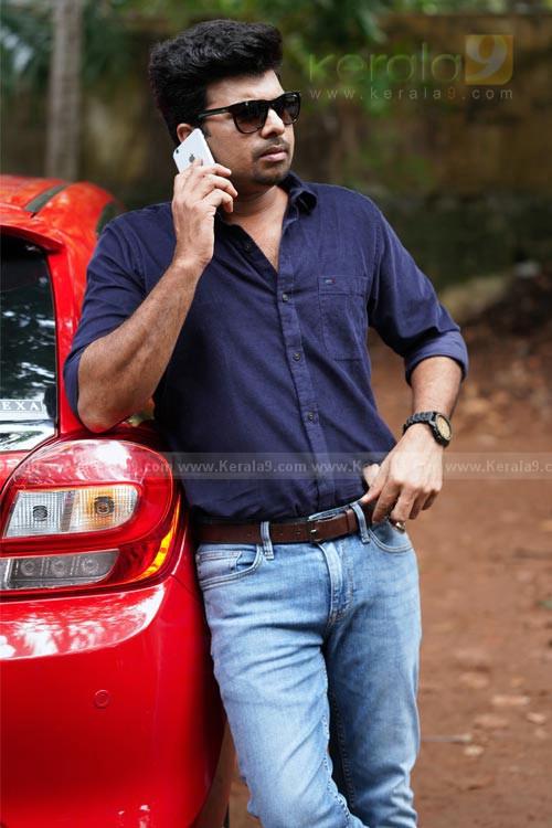 Manju Warrier in Chathur Mukham Malayalam Movie Stills 001