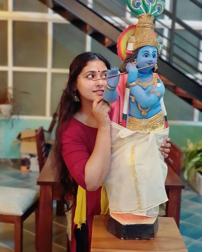 Anu Sithara vishu celebration pics