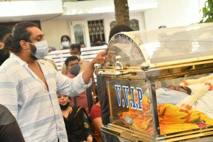 Meghana Raj Husband Chiranjeevi Sarja Funeral Photos 006