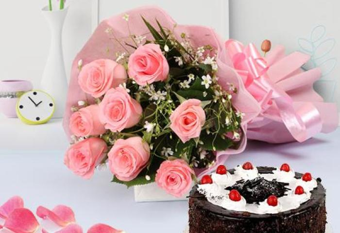 Send Finest Cake With Dazzling Pink Roses Bouquet To Kerala India