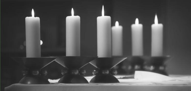 Bougies messe prière Sainte-Anne de Kergonan