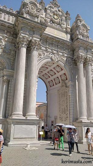 Dolmabahçe Sarayı Gezisi ve Dolmabahçe Saray Resimleri