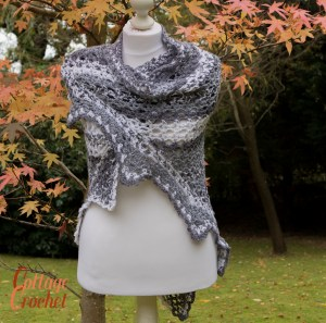 Shawl in shades of grey