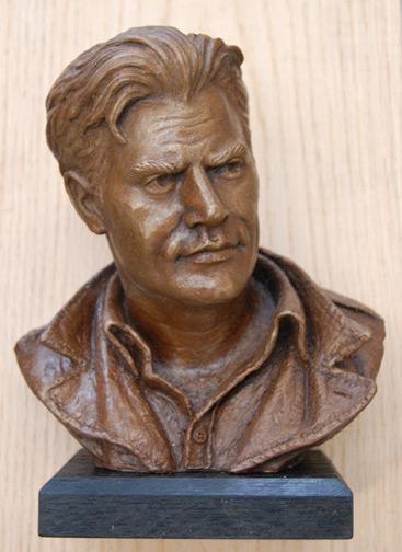 Keropian Bronze Sculpture  Vic Morrow Sergeant Saunders