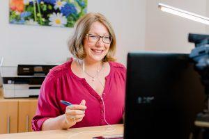 Kerstin Hiemer in der Online-Kinderhaut-Praxis