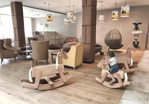 Hotel Dachsteinkönig - Familienurlaub Milch-Bar