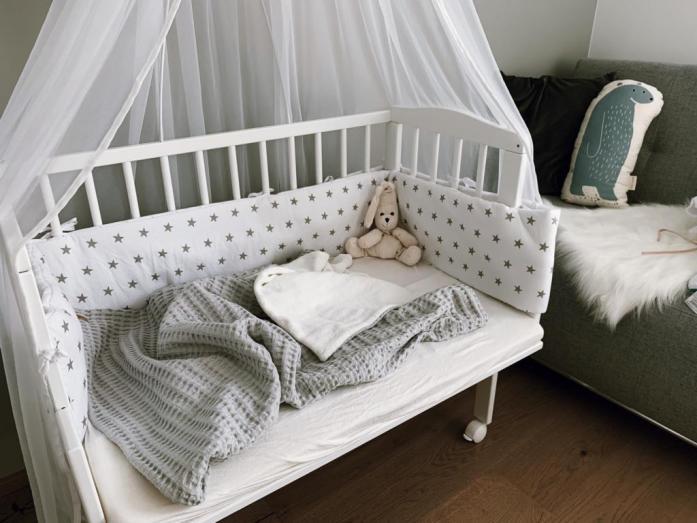 Ideen & Tipps für ein schönes Kinderzimmer, Babyzimmer, Gitterbett, Stillecke