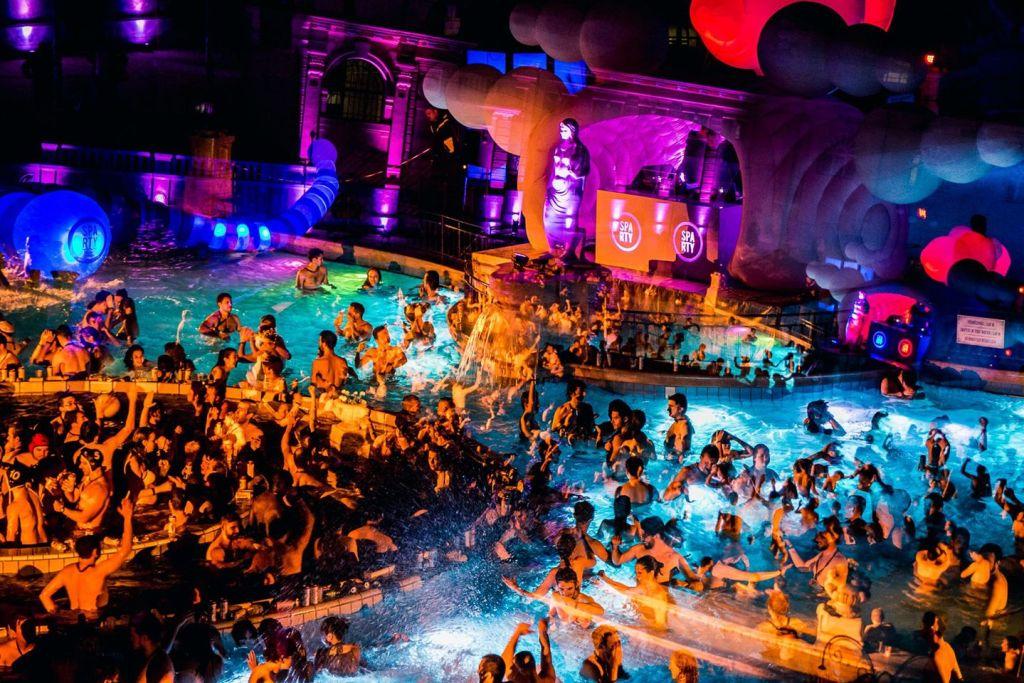 Szechenyi-Baths-Spa-Party-Budapest-Perfect