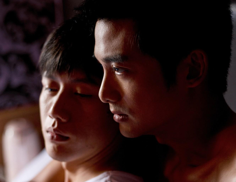 Художественные гей фильмы из группы мальчики и парни