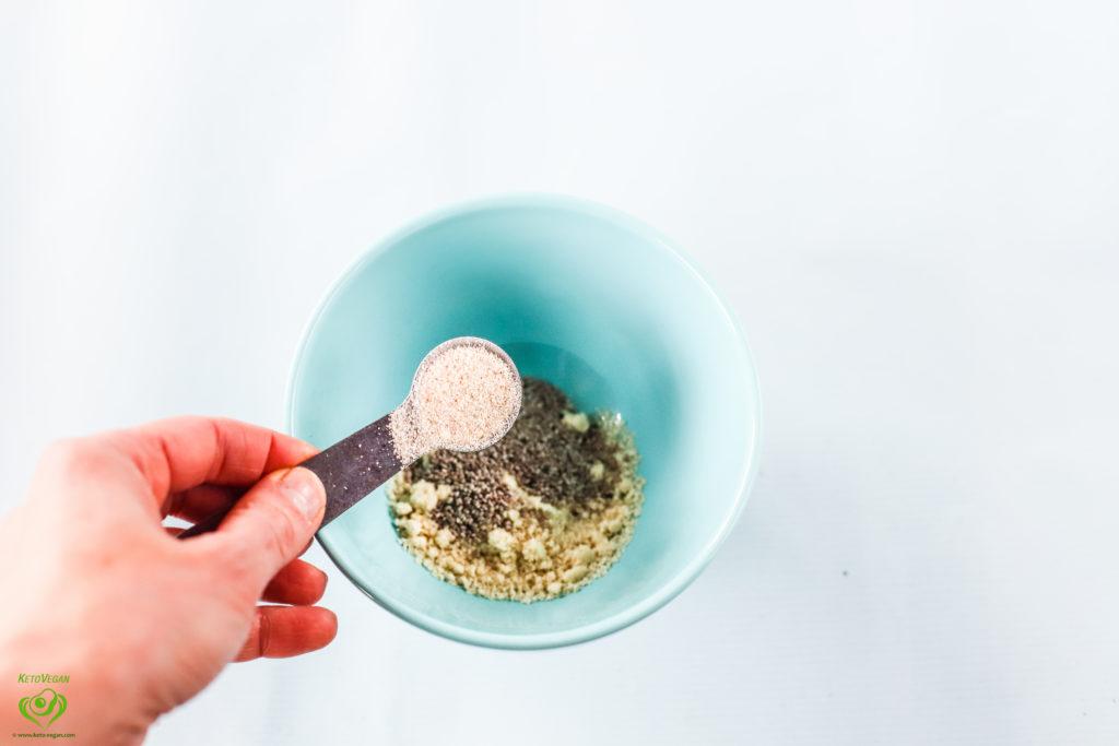 Psyllium husk powder | www.keto-vegan.com