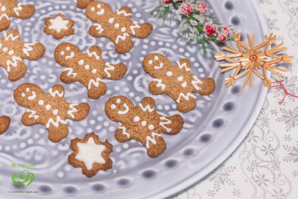 Sugar-Free Vegan Royal Icing | www.keto-vegan.com