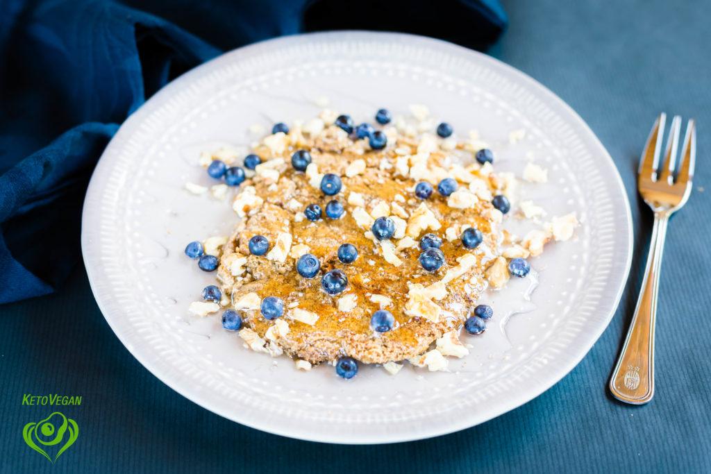 Vegan Keto Breakfast Pancakes | keto-vegan.com