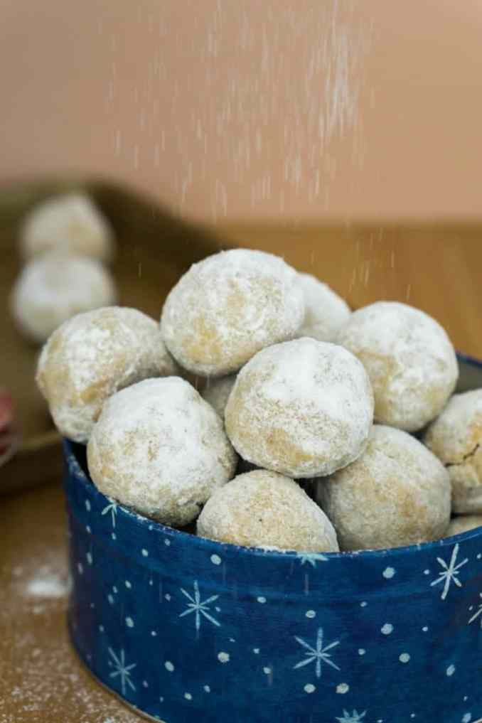 Snowball cookies sprinkled with powdered sweetener