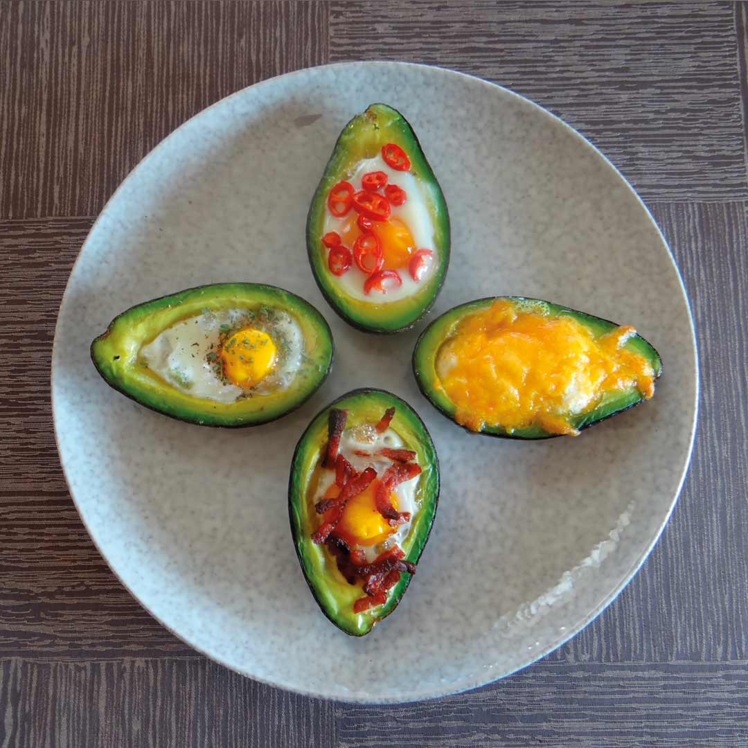 Gevulde avocado's ei keto