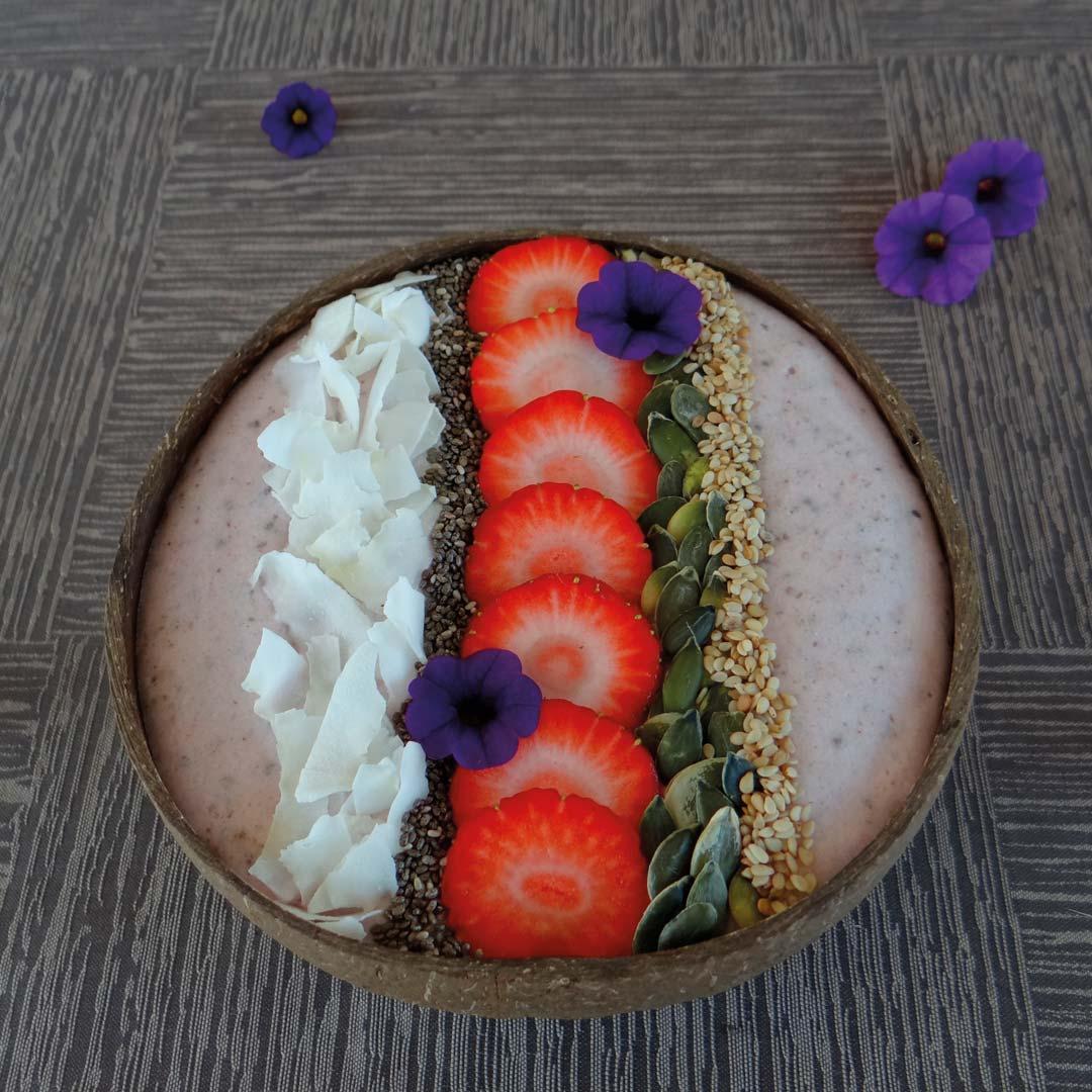 Recept keto smoothiebowl aardbei