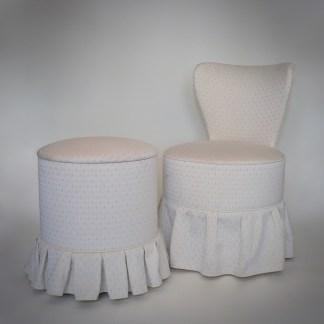 Vintage boudoir stoel met naaipoef