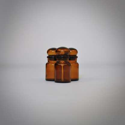 Bruine brocante apothekerspotjes