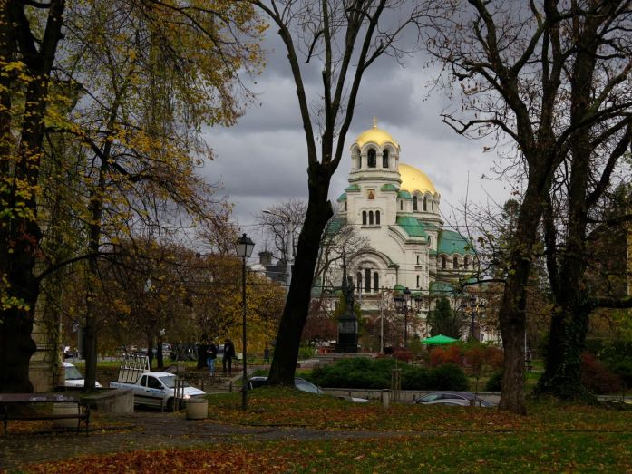 I couldn't stop thinking about European reaction to Trump's election, even when we came across the beautiful Alexander Nevsky Cathedral, under gray skies and surrounded by yellow leaves. ©KettiWilhelm2016
