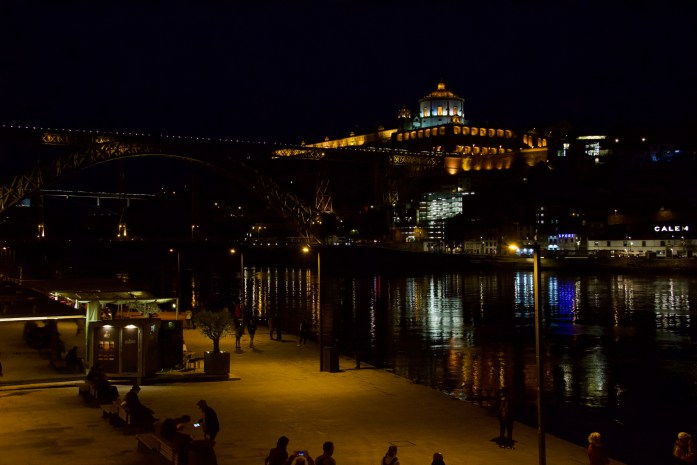 Things to see on a layover in Porto: The night time view from Ribeira Square. ©KettiWilhelm2020