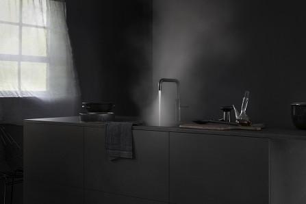 Fusion Design Keuken : Poëtische introductie intens zwarte quooker keuken design