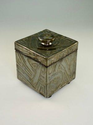 Weenus Box V2 by Kevin Eaton