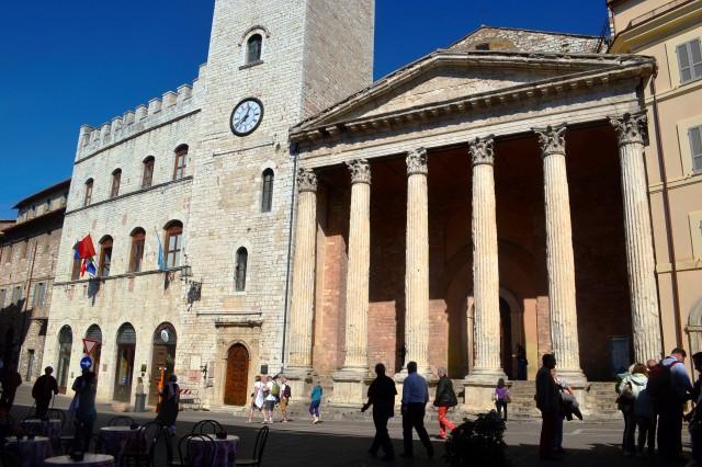 Templo de Minerca em Assis