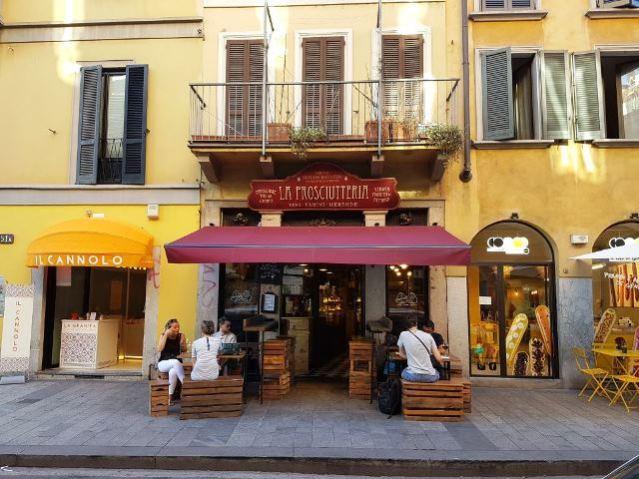 Locais em Milão