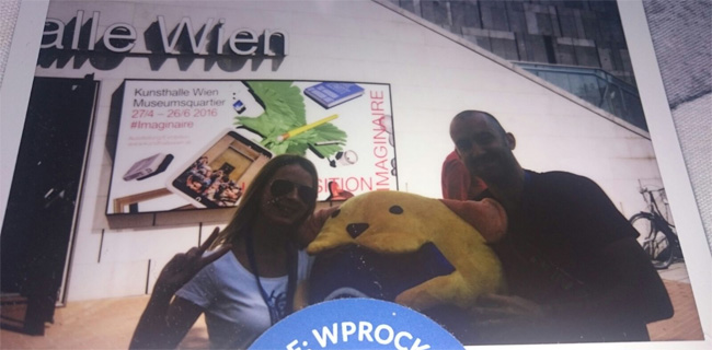 Kevin and Lisa with Wapuu