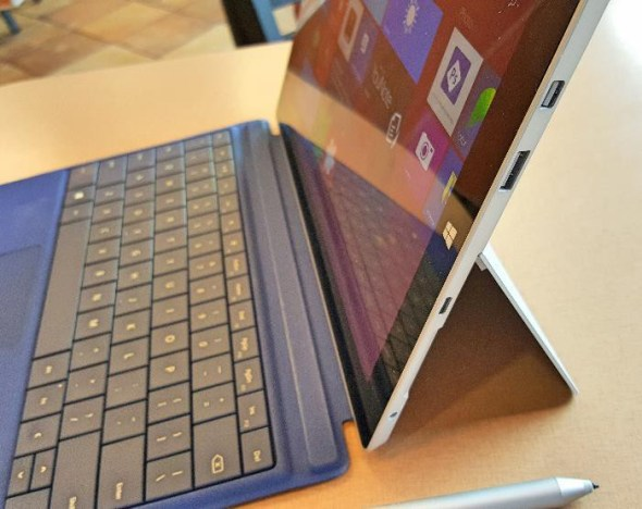 Microsoft Surface 3 Right Side